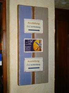 Hinweisschild im Schlosshotel Rheinfels